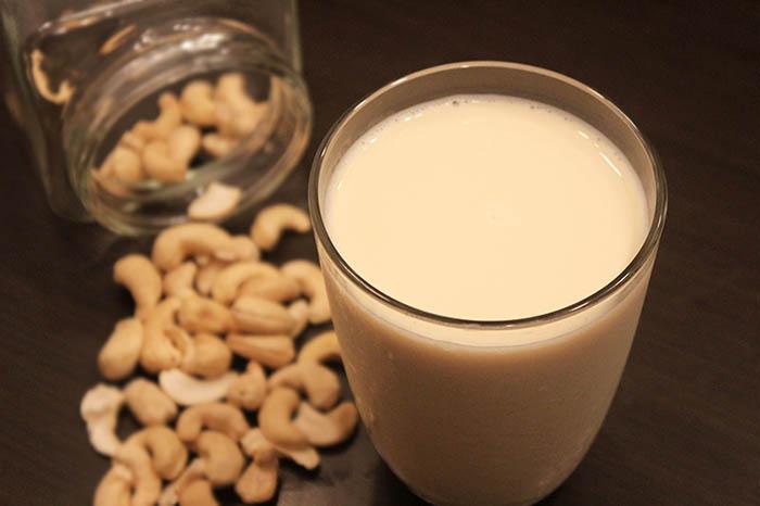 カシューミルク、カシューナッツのミルク、ヴィーガン、植物性のミルク